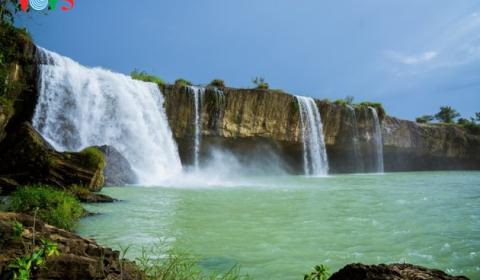 The beauty of waterfall in Dak Lak province