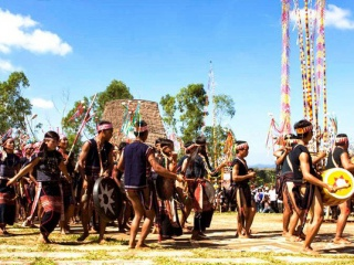Quy định tiêu chí, tiêu chuẩn bảo tồn, phục dựng, lưu trữ các giá trị văn hóa truyền thống đặc sắc của đồng bào dân tộc thiểu số