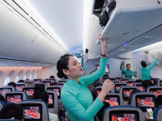 Vietnam Airlines swiftly restores domestic flight network