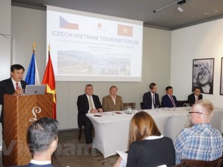 Prague forum promotes Vietnam-Czech tourism cooperation