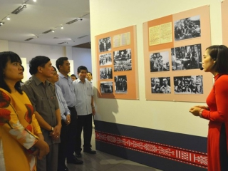 Dak Lak: Exhibition spotlights President Ho Chi Minh's life and career