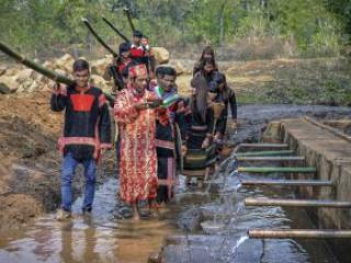 Phát triển du lịch gắn với bảo tồn bản sắc văn hóa các dân tộc