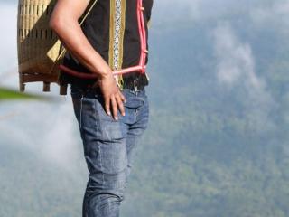 """Chàng trai""""thổi làn gió mới"""" vào du lịch khám phá văn hóa bản địa"""
